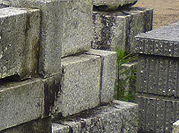 石塔や外柵の石の傾き工事